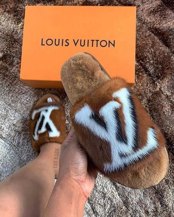 louis vuitton pink fuzzy slippers
