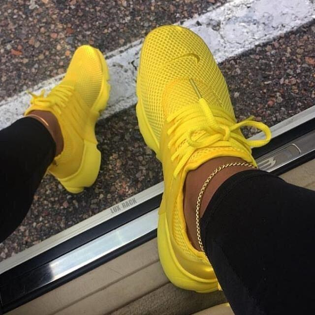 CLEARANCE - NIKE PRESTO LIMITED SNEAKER / YELLOW