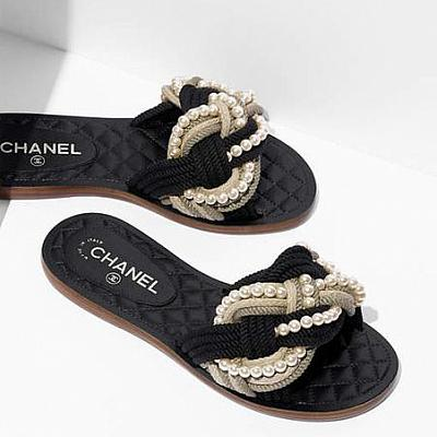CLEARANCE - CHANEL PEARL SLIDES