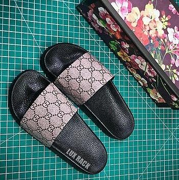 CLEARANCE - GUCCI GG SLIDES / PLAIN