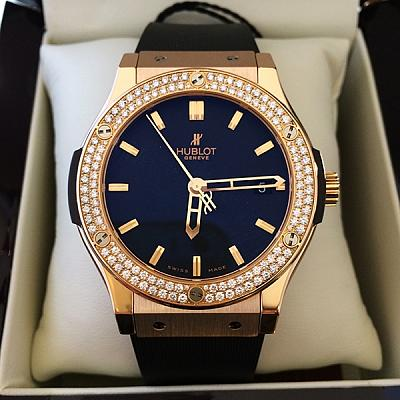 HUBLOT DIAMOND BEZEL WATCH